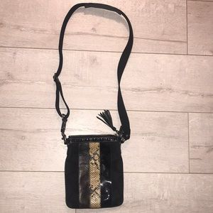 "Coach snake leather panel crossbody 9"" x 7"" exc cn"